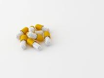 3d maded preventivpillerar på en vit bakgrund Arkivfoton