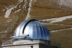 Dôme d'observatoire de Rome, parc de Sasso de mamie, Italie Image libre de droits