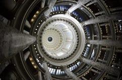 Dôme de construction de capitale de l'État Images libres de droits