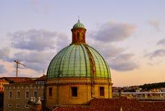 Dôme de coucher du soleil Ancona Italie de cathédrale Image stock