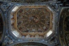 Dôme de la cathédrale à Bergame haut Images libres de droits