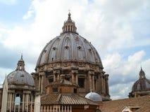 Dôme de la cathédrale de St Peter Photos stock