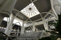 Dôme de Sultan Ismail Airport Mosque - aéroport de Senai Image stock