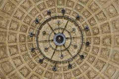 Dôme et lustre, monastère de San Juan de los Reyes à Toledo, Espagne photographie stock libre de droits