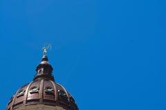 Dôme et statue de bâtiment de capitol d'état du Kansas Photographie stock