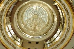 Dôme intérieur de Crystal Mosque dans Terengganu, Malaisie Photos libres de droits