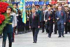 D.Medvedev, V.Putin, diputados y veteranos Imagen de archivo