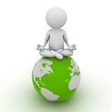 3d mens die meditatie op groene bol doen Stock Afbeeldingen