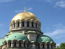 Dômes dorés et de cuivre sur la cathédrale de Sofia Photographie stock libre de droits