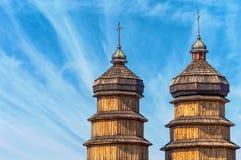Dômes en bois de la vieille église photographie stock libre de droits
