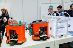 3d mini de druk dicht omhooggaand proces van printerda vinchi op tentoonstelling CeBIT 2017 in Hanover Messe, Duitsland Royalty-vrije Stock Foto's