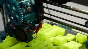 3D modellerings gebruikende 3D printers stock video