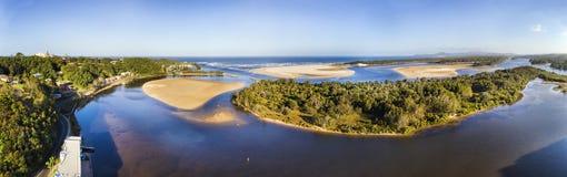 D Nambucca河设置了2海平底锅 免版税库存照片