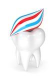 3d odpłacają się ząb z pasta do zębów Zdjęcia Stock