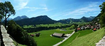 d'Oex del chateau di panorama Fotografie Stock Libere da Diritti