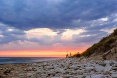 D'Oleron di Ile, tramonto sulla spiaggia in Francia Fotografia Stock