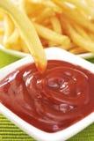 Dłoniaki i ketchup Fotografia Royalty Free