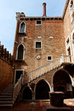 D'Oro interno do pátio Ca, Veneza, Itália Foto de Stock