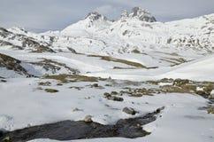 D'Ossau för Pic du midi i vinter från den Portalet sänkan arkivfoton
