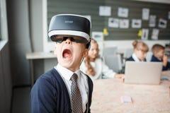 3D på en pojke som erfar livliga sinnesrörelser Arkivbilder