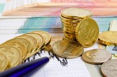 3d pojęcia dolarowej wymiany spadać stopień wzrostu Zdjęcia Royalty Free