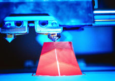 3d printer die rood vormenclose-up drukken Royalty-vrije Stock Fotografie