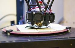 3d printer en gecreeerd objecten model Stock Foto's