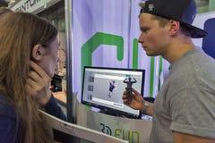 3D printer op cabine bij EEG 2017 in Kiev, de Oekraïne Stock Afbeelding