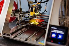 3d printer working and printing Royalty Free Stock Images