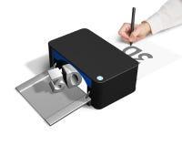 3D printerconcept voor hand 2D tekening Stock Foto