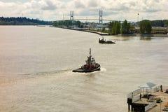 Łódź pływa statkiem wzdłuż Vancouver nabrzeża Fotografia Royalty Free