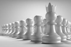 3D que rendem a vista dianteira de muitos penhoram a xadrez com o líder na frente deles no papel de parede branco do fundo Fotografia de Stock Royalty Free