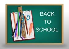 3D realístico de volta ao projeto do cartaz do título da escola em um quadro-negro com artigos da escola Ilustração Editable do v Fotos de Stock