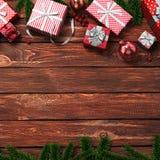 3D rendant le fond en bois de Noël foncé Photos libres de droits