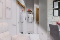 3d rendem da sala de visitas com design de interiores da cozinha em um moder Fotos de Stock