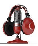 3d rendem do microfone com fones de ouvido Imagens de Stock Royalty Free
