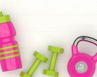 3d rendering dumbbells, kettlebell i gym potrząsacz na drewnianym d, Fotografia Royalty Free