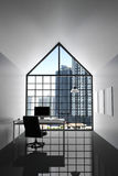 3D rendering: ilustracja nowożytny wewnętrzny biały biuro Kreatywnie projektanta desktop z peceta komputerem, klawiatura, kamera, Obraz Stock