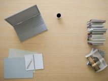 3d rendering pracujący stół z mieszkanie nieatutowym stylem Obraz Stock
