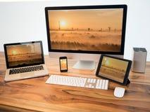 3d returnerar bärbar datornätverksrouter tre Royaltyfri Bild