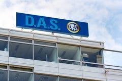 D A S försäkringvarumärke för lagliga kostnader av ergo gruppen från logo för tyskMunich Re försäkringsbolag på byggnad av tjecke Royaltyfria Bilder
