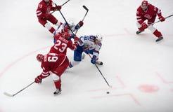D Shitikov (23) vs A Dergachyov ( 92) Royaltyfria Foton