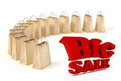 3d skyler över brister shoppingpåsar och stor röd SALE text Arkivbild