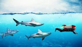 3d som uppnår målet för konkurrensbegreppsmän Affärsmanflykter från hajar med en raket Royaltyfri Foto