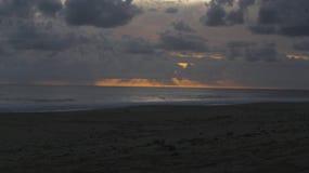 D?sterer Sonnenuntergang lizenzfreie stockfotos
