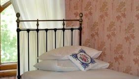3 d sypialni otoczenia wewnętrznej pozbawione piorun Zdjęcia Royalty Free