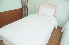 3 d sypialni otoczenia wewnętrznej pozbawione piorun Zdjęcie Royalty Free