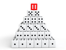 3d taglia la fabbricazione a cubetti della piramide di concetto di successo Immagine Stock Libera da Diritti