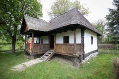 D?tails avec la maison dans laquelle Nicolae Ceausescu, dictateur communiste roumain, ?tait n? en 1918 photos stock