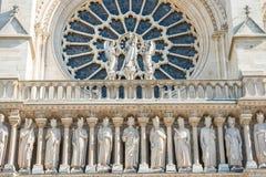 D?tails sur la fa?ade du Notre-Dame de Paris photographie stock